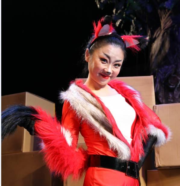 儿童剧演员 何莉
